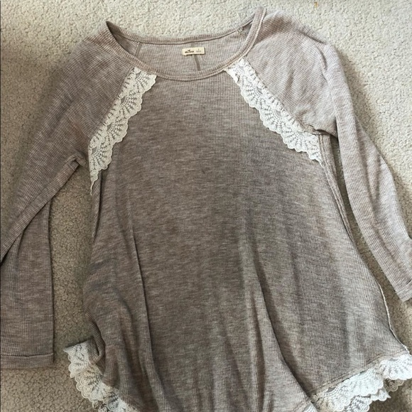 8baed6b73 Hollister Tops | S Blouse With Lace Trim | Poshmark